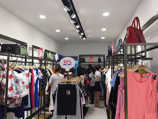 Khai trương cửa hàng khi nào để thu hút khách hàng?