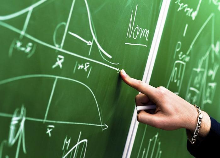 Có nên chọn gia sư môn Vật lý là sinh viên cho con?