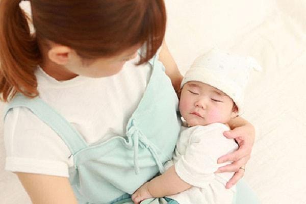 10 lý do khiến trẻ bị khó ngủ mẹ cần biết 1