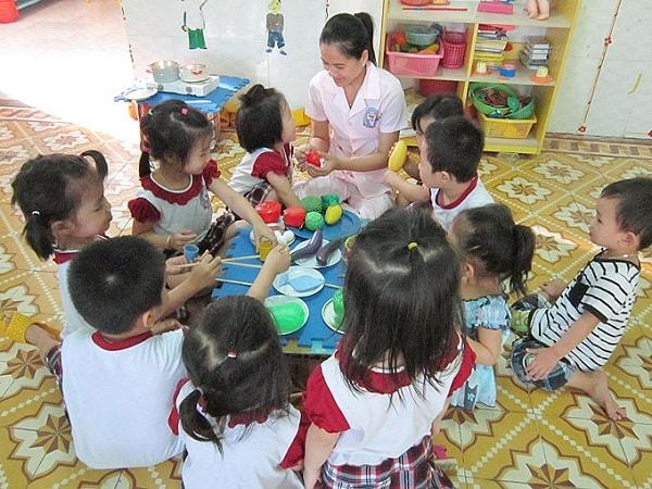 Phân biệt phương pháp Montessori và giáo dục truyền thống 2