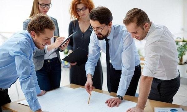 Sự chủ động hợp tác luôn tạo mối quan hệ tốt với bạn đồng nghiệp