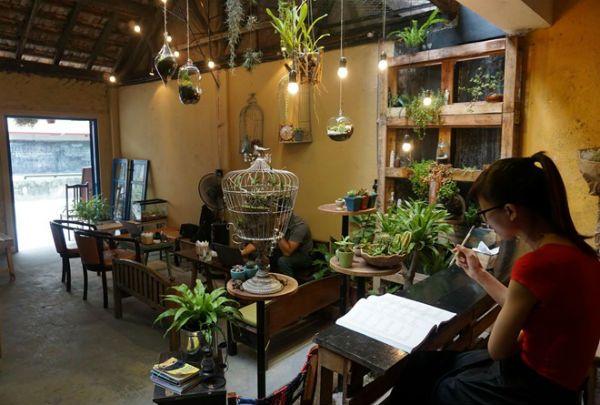 Ánh sáng quán cà phê