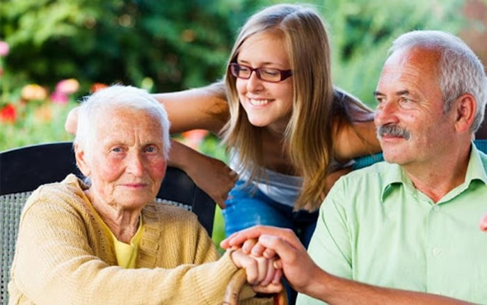 Kỹ năng giao tiếp bằng lời nói với người lớn tuổi