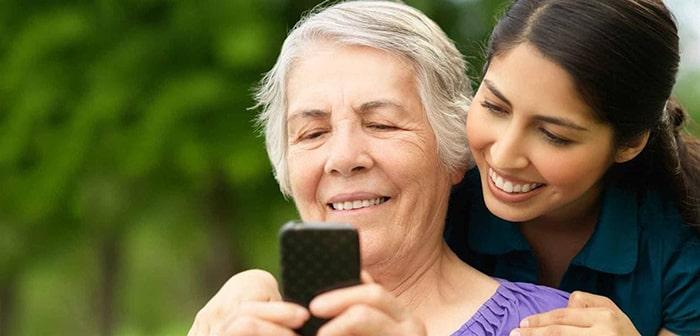 Lắng nghe thấu hiểu tâm tư, tình cảm của người lớn tuổi giúp khoảng cách thế hệ gần gũi hơn